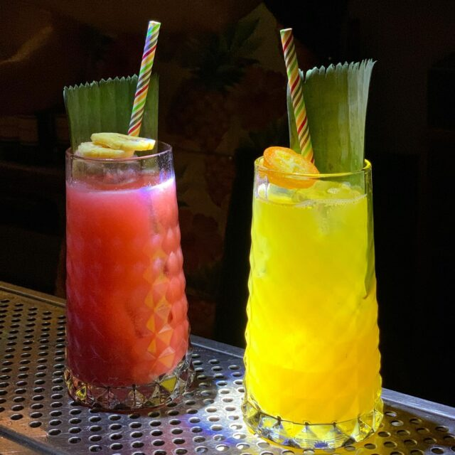 Cocktails and Colours ! #naxos #naxosisland #naxos_island #ig_naxos #naxosgreece #greekislands #cocktails #cocktailbar #naxosgreece #greekgastronomy #gastronomia #visitgreece #sunsets #sunset #drinks #swingbarnaxos #cyclades #cocktailporn #greece #summer #travel #islands #island #summeringreece #aegean #travelgreece